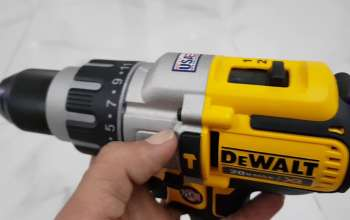 may-khoan-van-vit-dewalt-2